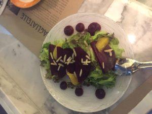 サラダ salada